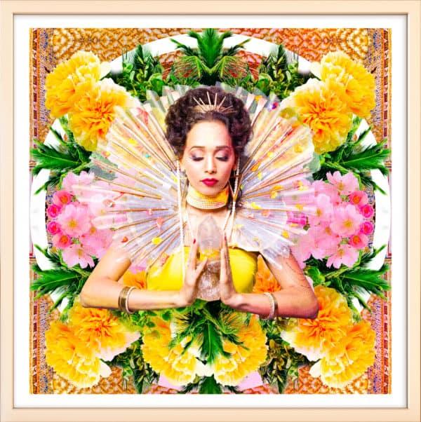 tableau artiste déco photo portrait femme fleurs déesse au cristal